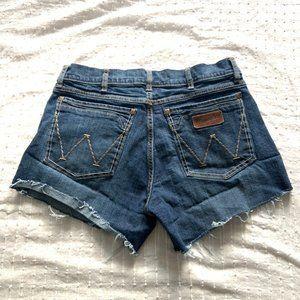 Wrangler high waisted dark cutoff shorts size 30